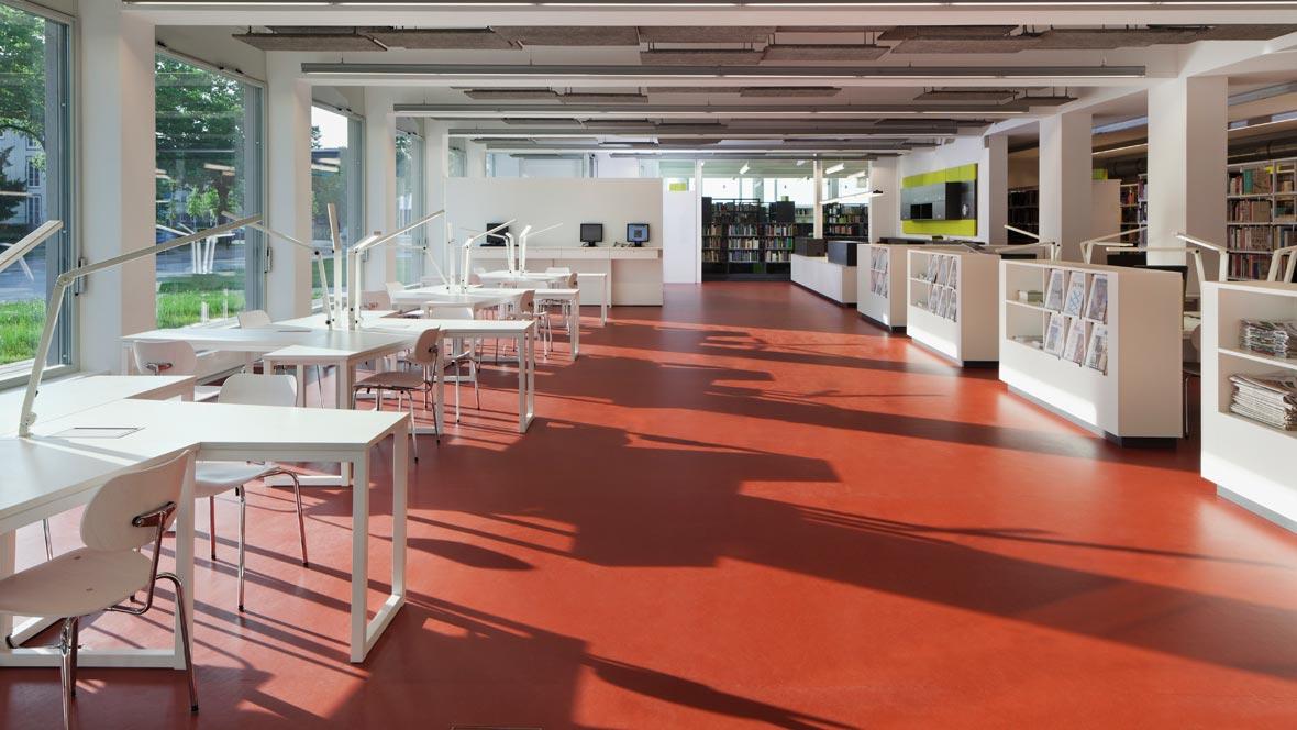 Neue Bibliotheken im Bauhaus Dessau - Copyright Werner Huthmacher