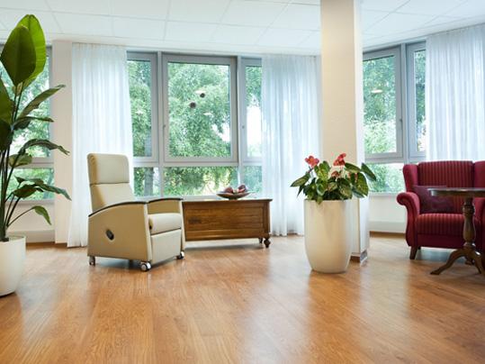 Forbo Designbeläge in Wohnbereichen der Altenpflege