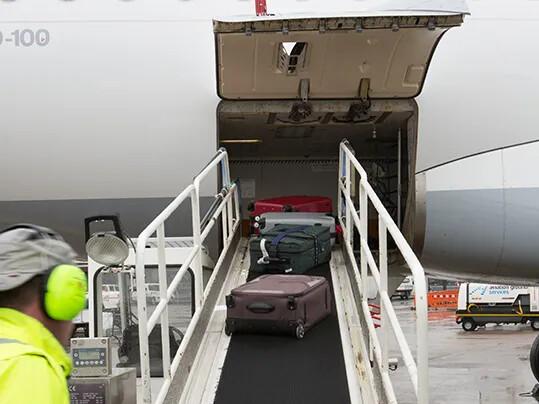 flugzeugbeladung1-airport