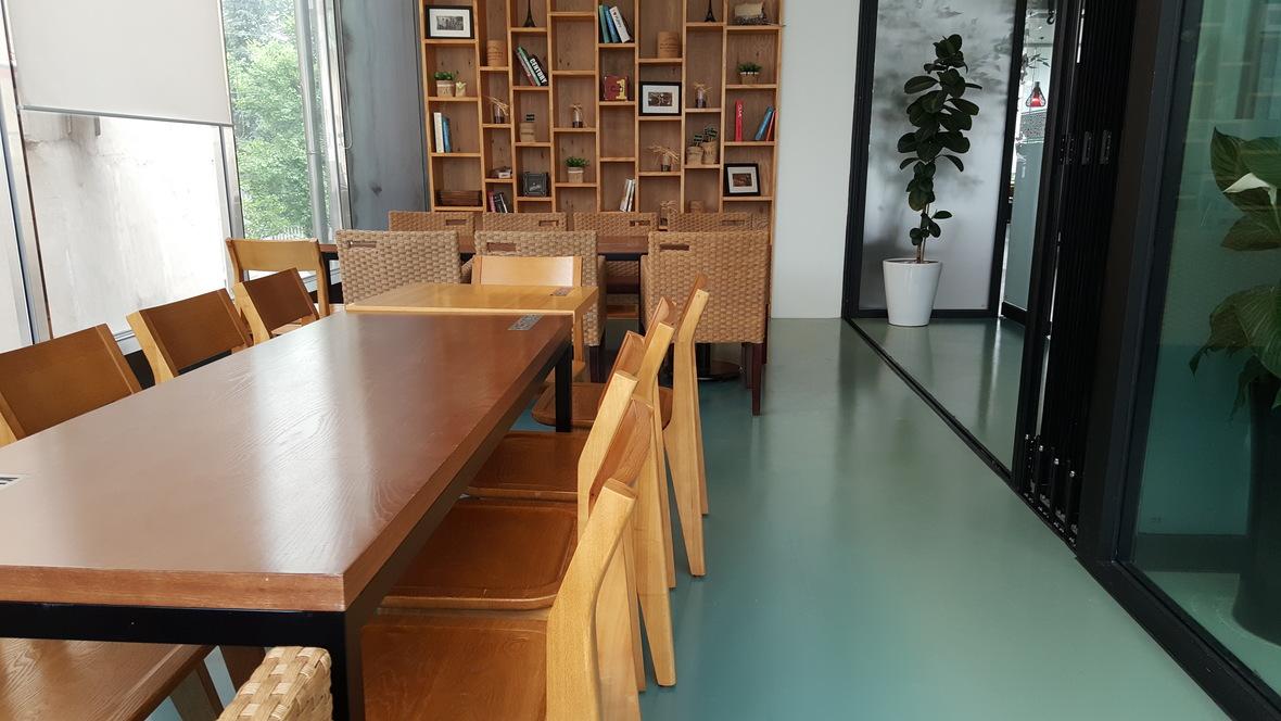 'Kiss of Dutch' Café - Korea