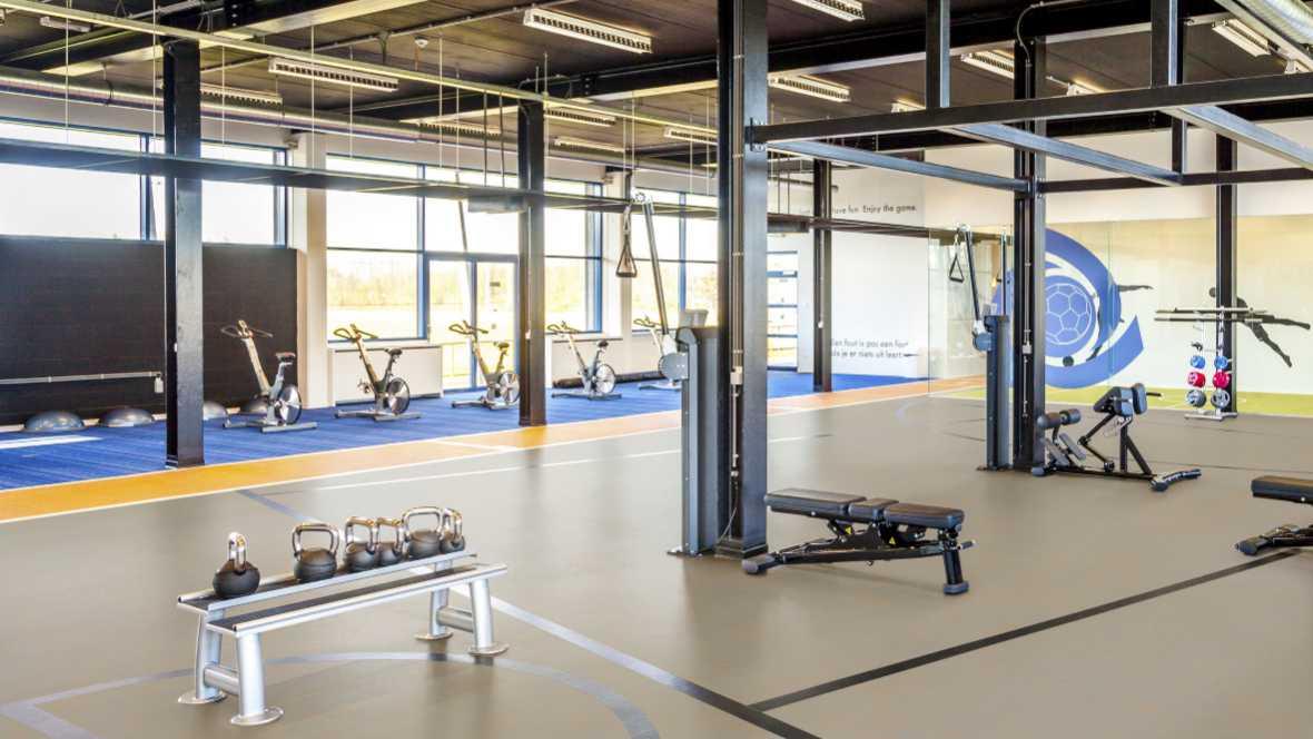 Marmoleum sport flooring