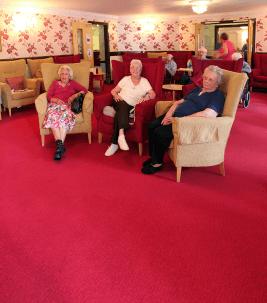 domy spokojnej starosci zastosowania wykładzi podłogowych