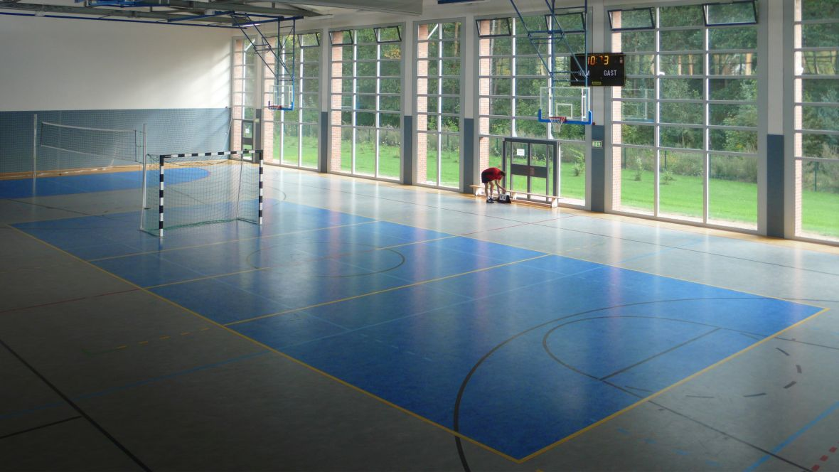 Sporthalle-am-Niklotstadion-Güstrow