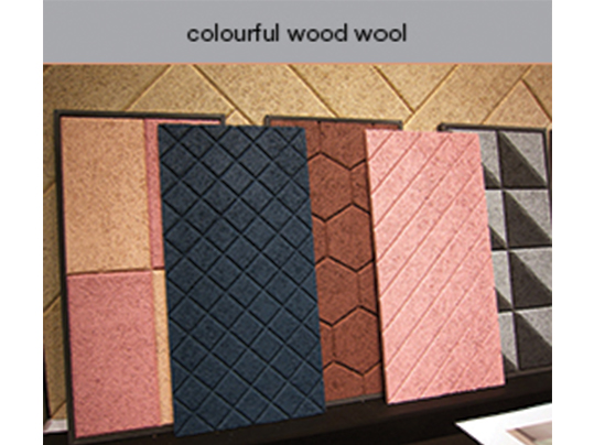 colourful wood wool - Baux