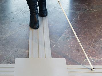 Taktila golv för ökad tillgänglighet – Tactile Flooring by Matting