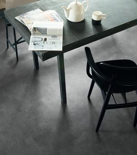 Novilon Forza 2425 Anthracite Concrete