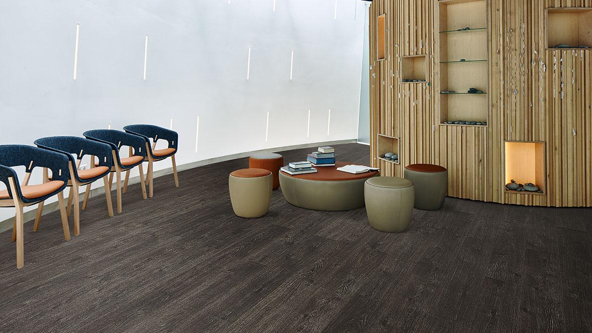 Allura Wood w60074 waitingroom