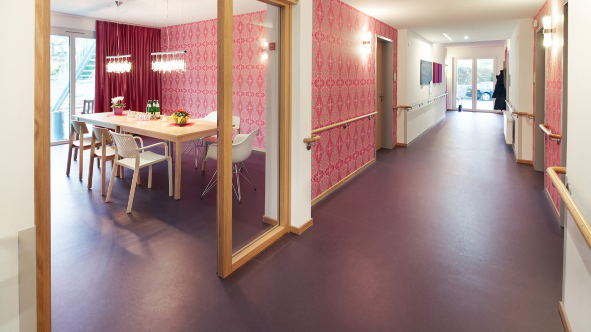 Flooring for social housing - marmoleum