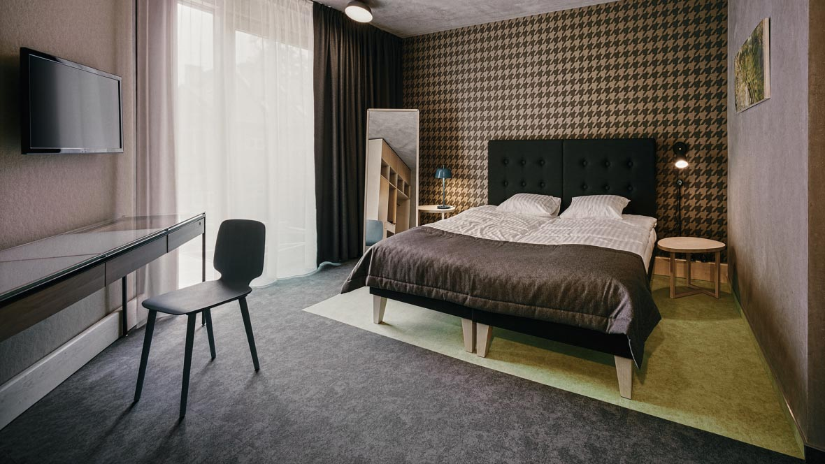 Kurshi hotel room - flotex flooring