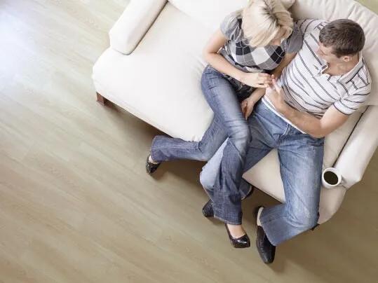 Revêtement de sol PVC pose non collée acoustique habitat | Forbo Flooring Systems