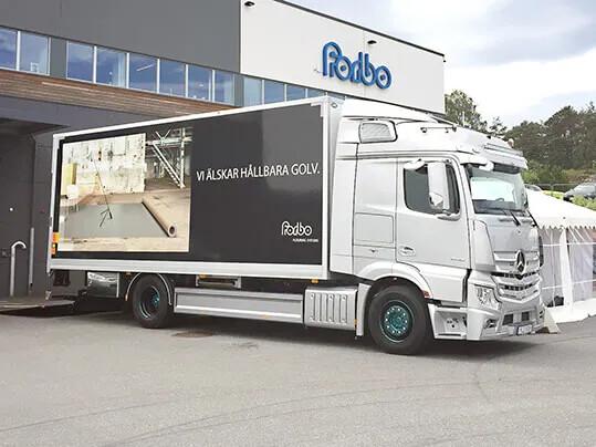 Hållbara transporter Forbo-lastbil