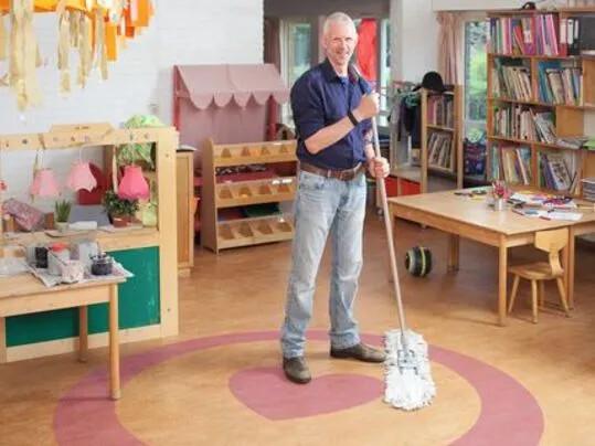 Revêtement de sol naturel linoléum, nettoyage et entretien | Forbo Flooring Systems