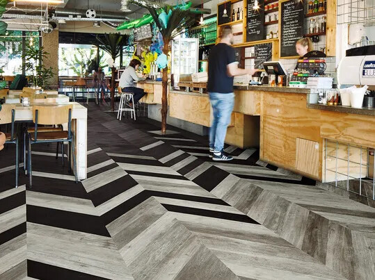 Revêtements de sol LVT en lames et dalles hôtel | Forbo Flooring Systems