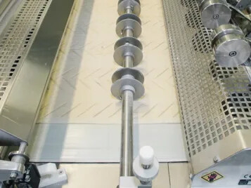 Two new cutting belts for reliable dough processing