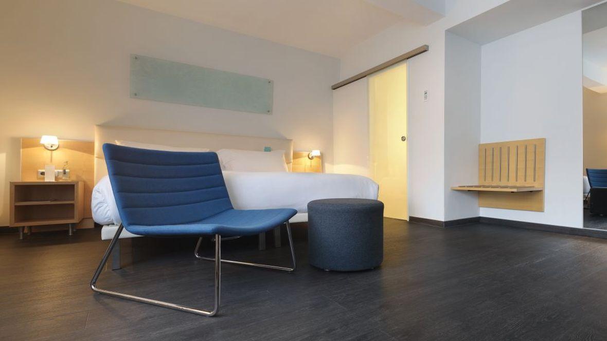 Forbo_Hotel-Le-Meridien_Frankfurt_Fotograf_Matthias-Groppe_Paderborn_1684_1180x664_(003).jpg