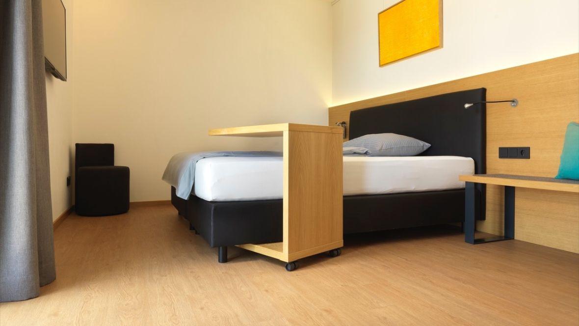 Forbo_Motel-Inn_Simbach_Fotograf_Matthias-Groppe_Paderborn_w60071_1180x664_002.jpg