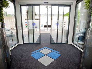 Eingangsbereich mit Forbo Sauberlaufzone.
