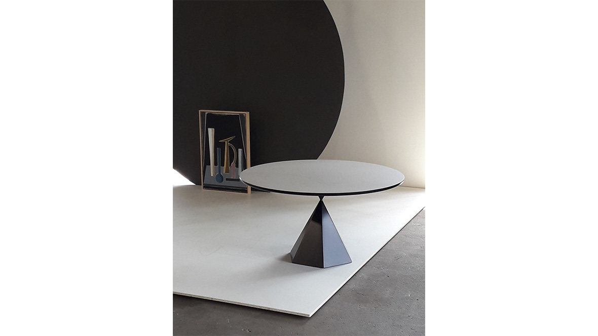 Igor table with painting