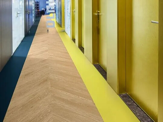 Revêtement de sol LVT allura, pose | Forbo Flooring Systems