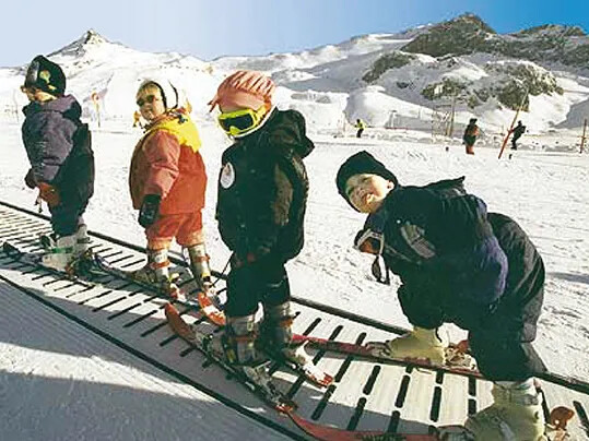 Skiing Conveyor Belts