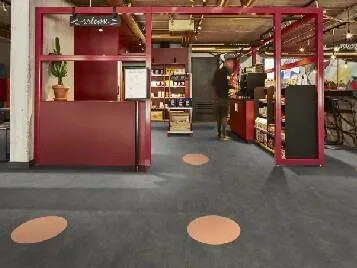 Revêtement de sol LVT cercle distanciation | Forbo Flooring Systems