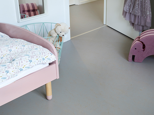 Concrete 3706 Girls room Danish private home