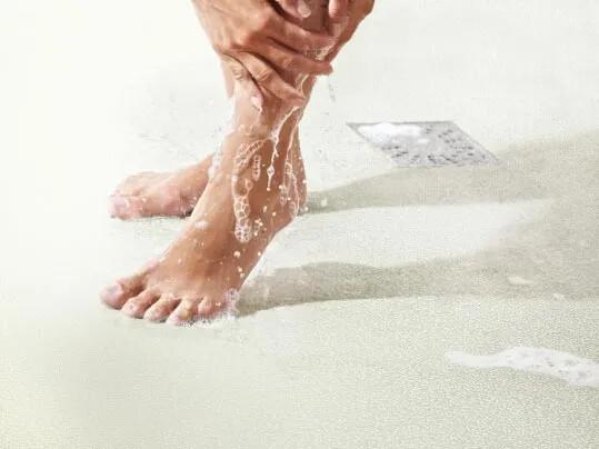 Våtrum kräver stegsäkra golv som klarar fukt
