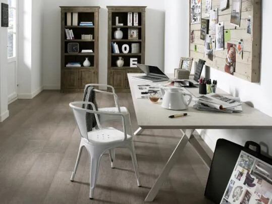 Luxury vinyl tiles (LVT) i bostad