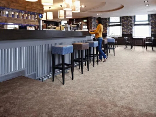 Flotex Colour textilmatta från Forbo Flooring Systems i restaurang