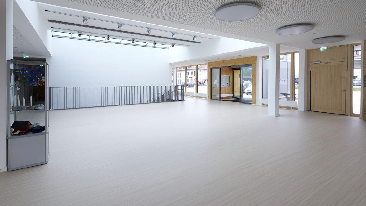 Forbo_Von-Rothmund-Schule_Bad-Tölz_Fotograf_Matthias-Groppe_Paderborn_1180x664_002.jpg