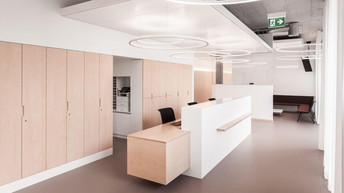 MediX Zürich AG - marmoleum cocoa flooring