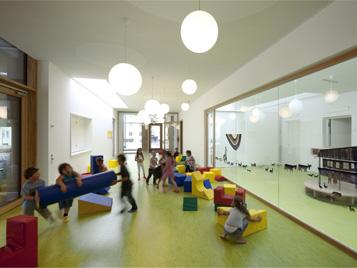 Forbo Bodenbeläge in Kindergärten - hier: Peter und Paul