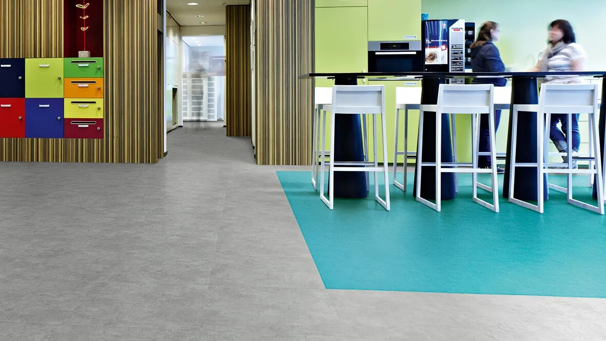 Allura Flex loose lay tiles